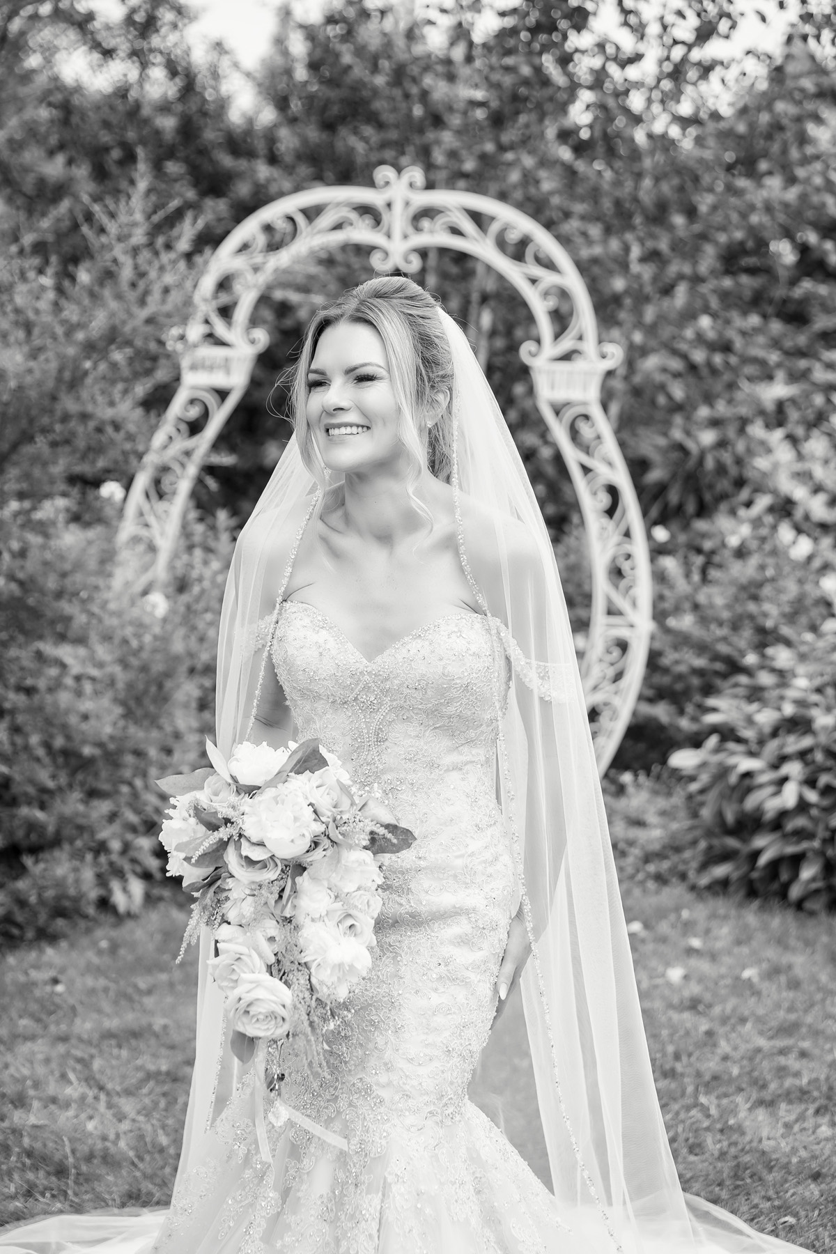 Black & White bridal portrait at Warwick house